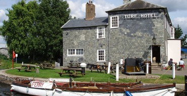The Turf -Idyllic Pub On The River Exe